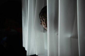 Bailee Madison in una immagine dell'horror Non avere paura del buio (2011)