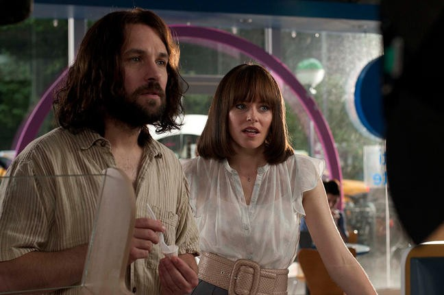 Elizabeth Banks Con Paul Rudd In Our Idiot Brother 212460