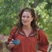 Kathryn Hahn in una scena della commedia Our idiot Brother