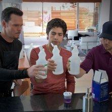 Jerry Ferrara, Adrian Grenier e Kevin Dillon in una scena dell'episodio Whiz Kid dell'ottava stagione di Entourage
