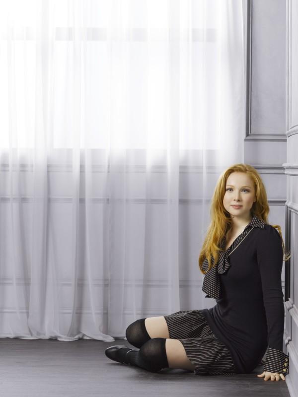 Una Immagine Promozionale Di Molly C Quinn Per La Stagione 4 Di Castle 212595