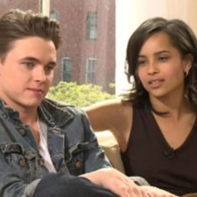 Jesse McCartney sul set di Beware the Gonzo con Zoë Kravitz