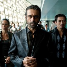 Jordi Molla in una scena del thriller Colombiana
