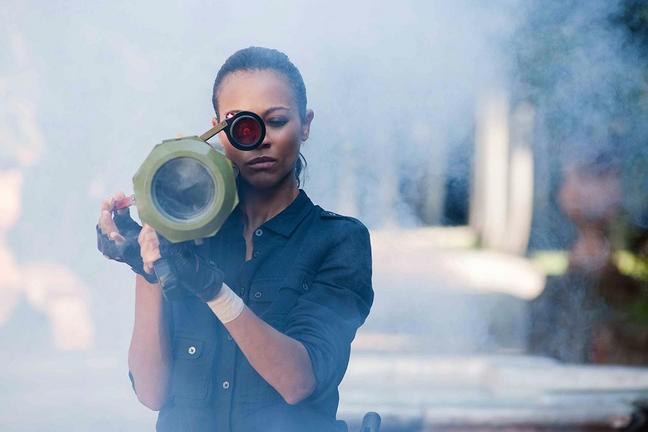 La Killer Zoe Saldana In Una Scena Di Colombiana 212650