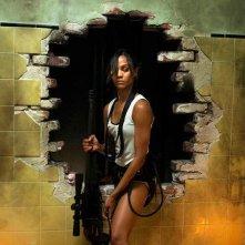 Zoe Saldana in una sequenza dell'action thriller Colombiana