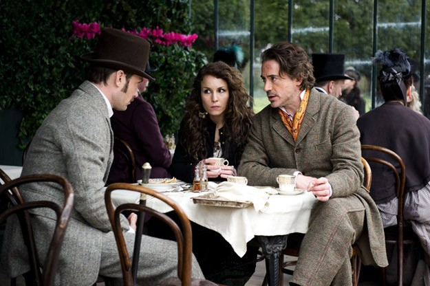 Robert Downey Jr Jude Law E Noomi Rapace Si Consultano In Sherlock Holmes A Game Of Shadows 212673