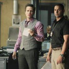 Castle: Seamus Dever e Jon Huertas nell'episodio Rise, premiere della quarta stagione della serie