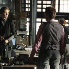 Castle: Stana Katic, Seamus Dever e Jon Huertas in Rise, premiere della quarta stagione della serie