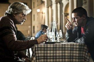 Fabrizio Bentivoglio in una scena di 'Scialla!' con Filippo Scicchitano