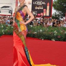 Venezia 2011, una coloratissima Bingbing Li sul red carpet