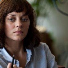 Contagion: Marion Cotillard in una scena del film