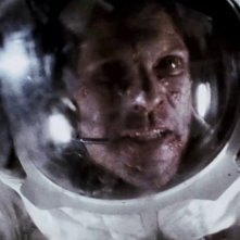 Apollo 18: Lloyd Owen in una scena