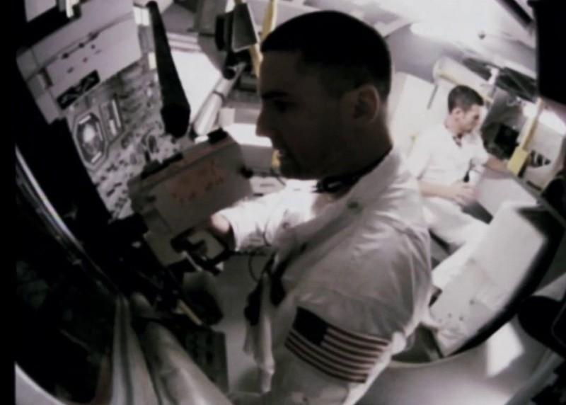 Apollo 18 Warren Christie E Lloyd Owen In Una Scena 213331