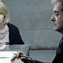 Ennio Fantastichini con Francesca Cuttica in un'intrigante immagine di L'arrivo di Wang