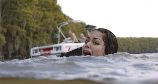 Shark Night 3D Alyssa Diaz In Una Scena Del Film 213377