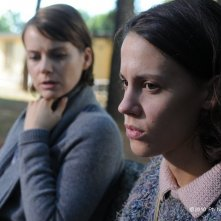 Andrea Osvárt e Chiara Martegiani in Maternity Blues