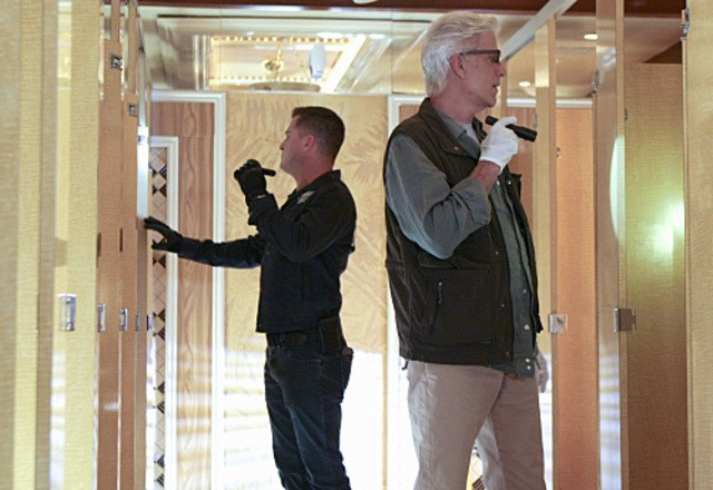 Csi George Eads E Ted Danson In Una Scena Dell Episodio 73 Seconds 213727