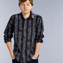 Due uomini e mezzo: Angus T. Jones è Jake Harper  nella stagione 9