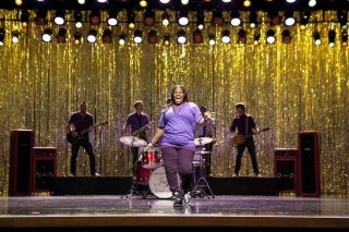 Glee: Amber Riley in una scena dell'episodio The Purple Piano Project