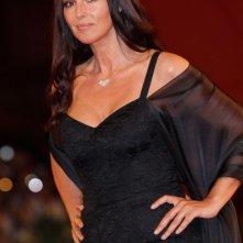 Monica Bellucci sul tappeto rosso della premiere di Un Ete Brulant alla Mostra di Venezia 2011