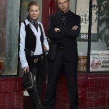 Prime Suspect: Maria Bello ed Aidan Quinn in una foto promozionale della serie
