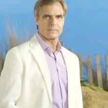 Revenge: Henry Czerny è Conrad Grayson in una foto promozionale della serie