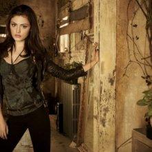 The Secret Circle: Phoebe Tonkin è Faye in una foto promozionale della serie
