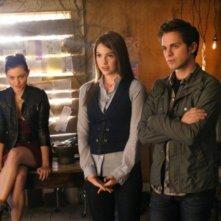 The Secret Circle: Phoebe Tonkin, Shelley Hennig e Thomas Dekker nel pilot della serie