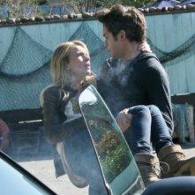 The Secret Circle: Thomas Dekker e Brittany Robertson in un momento del pilot della serie