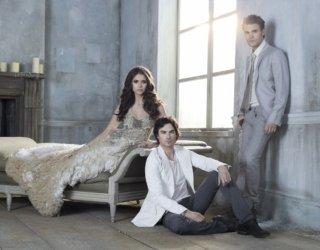 The Vampire Diaries: una foto promozionale del cast per la stagione 3