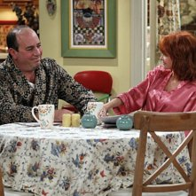 Mike & Molly: Swoosie Kurtz e Louis Mustillo nell'episodio Goin' Fishin'