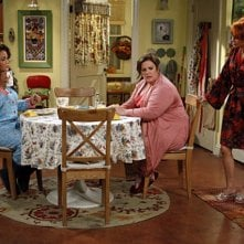 Mike & Molly: Swoosie Kurtz, Melissa McCarthy e Katy Mixon nell'episodio Goin' Fishin'