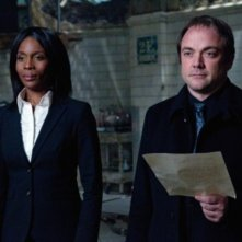 Supernatural: Lanette Ware e Mark A. Sheppard nell'episodio The Man Who Knew Too Much