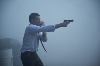 Texas Killing Fields: Sam Worthington in una sequenza del film