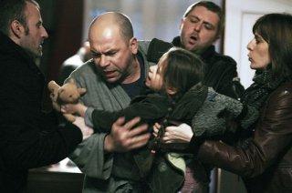 Philippe Torreton in una scena drammatica di Présumé coupable