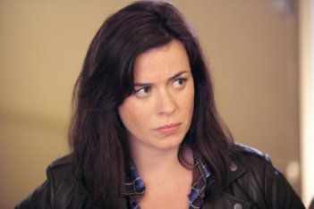 Torchwood - Miracle Day: Eve Myles nell'episodio The New World