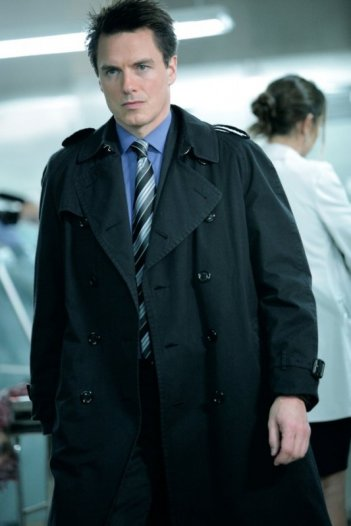 Torchwood - Miracle Day: John Barrowman nell'episodio The New World