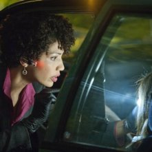 Fringe: Jasika Nicole in una scena dell'episodio Neither Here Nor There