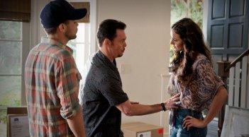 Jerry Ferrara, Emmanuelle Chriqui e Kevin Dillon in una scena dell'episodio The End dell'ottava stagione di Entourage