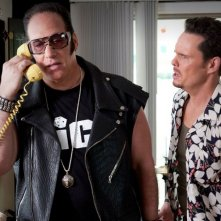 Kevin Dillon e Andrew Dice Clay in una scena dell'episodio The Big Bang dell'ottava stagione di Entourage