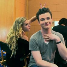 Glee: Chris Colfer e Heather Morris scherzano dietro le quinte del The 3D Concert Movie