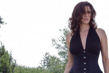 Luisa Ranieri è Sofia in Mozzarella Stories