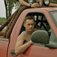 Alexander Skarsgard nel thriller Cani di paglia (2011)