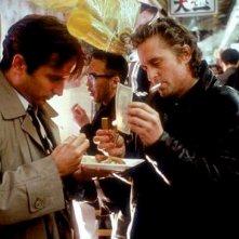 Andy Garcia e Michael Douglas in Black Rain - Pioggia sporca