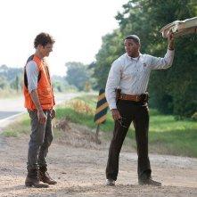 James Marsden in Cani di paglia con Laz Alonso