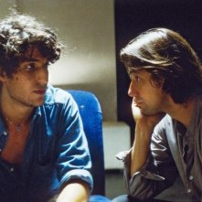 Louis Garrel e Jérôme Robart in una scena di Un été brûlant