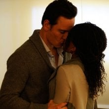Michael Fassbender e Nicole Beharie in una sequenza del film Shame