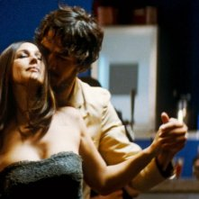 Monica Bellucci e Jérôme Robart in  una sequenza di Un été brûlant
