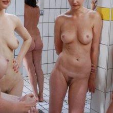 Una scena di nudo del film Q (2011)
