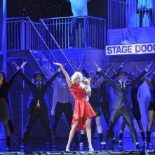 Ashley Tisdale impegnata in una coreografia di Sharpay's Fabulous Adventure